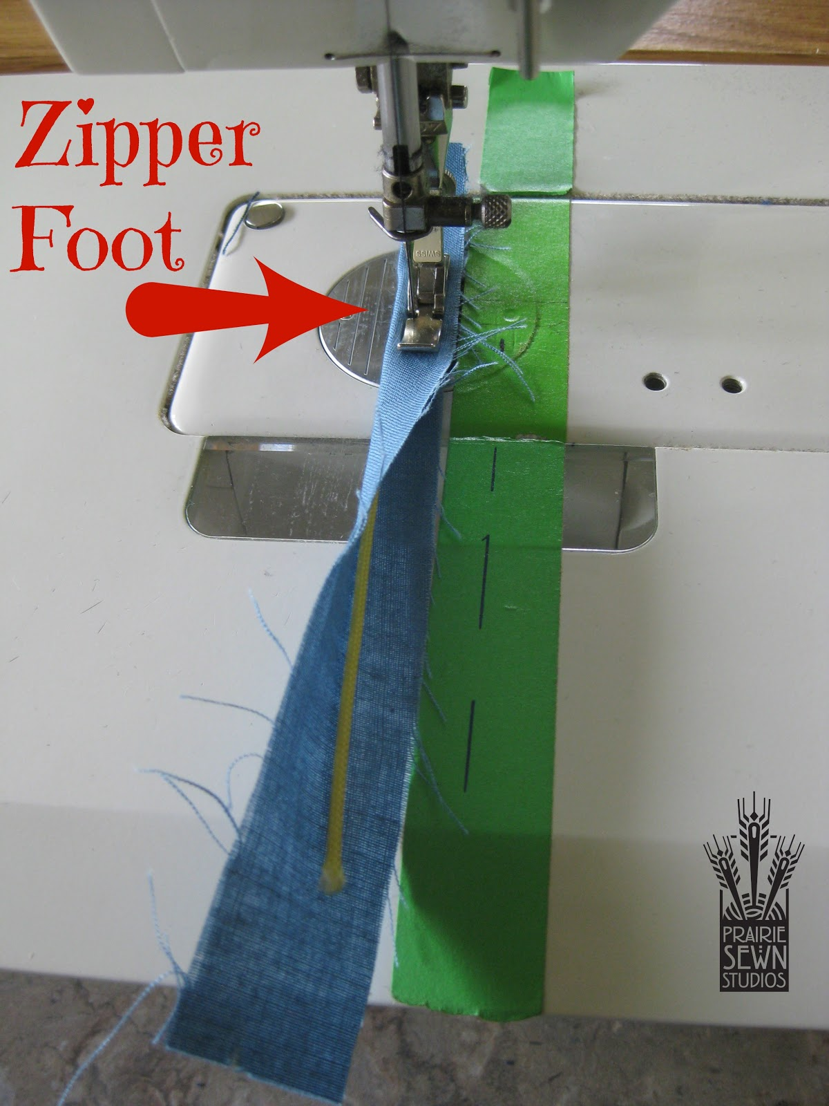 Attach cording with zipper foot-Pumpkin with Piping
